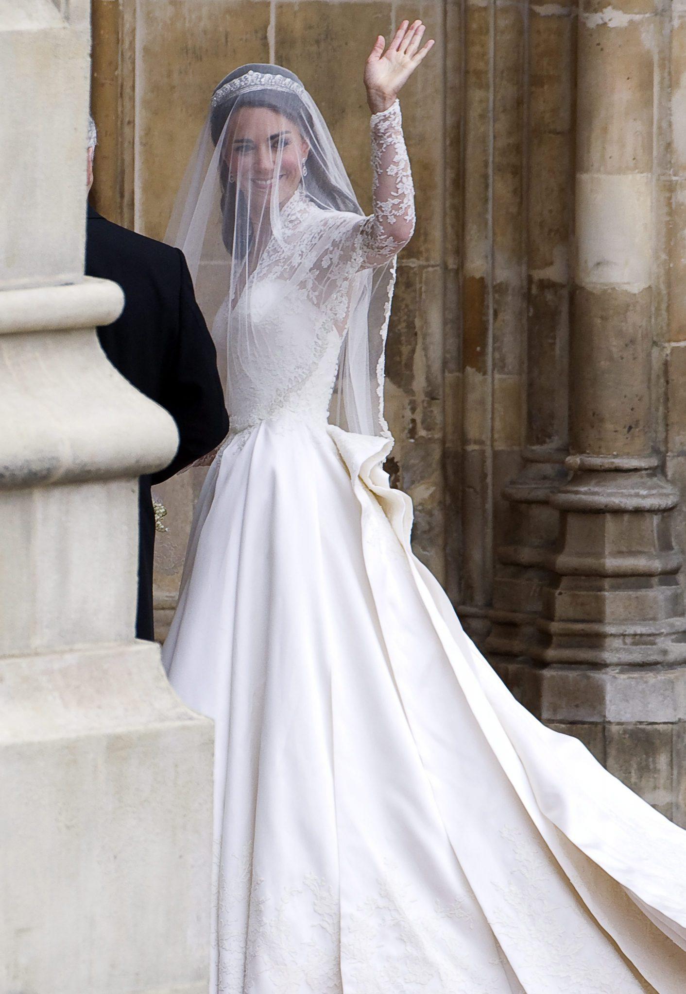 Princess Catherine in Sarah Burton wedding dress ...