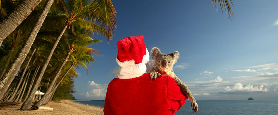 Santa papped chillin' in Australia