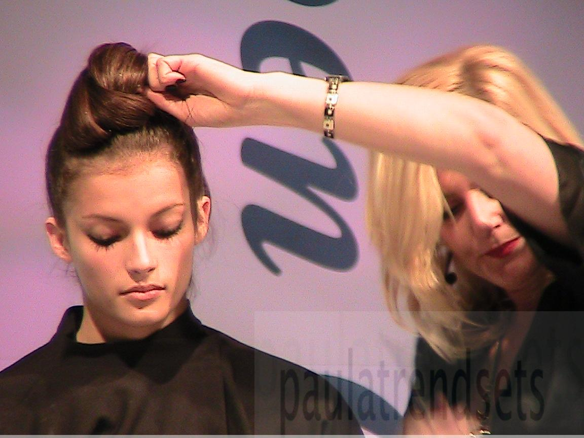 Easy-to-create hairstyle trends for Christmas (Video)