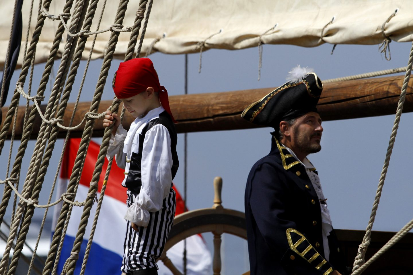 Pirates' show aboard corsair ship in Athens