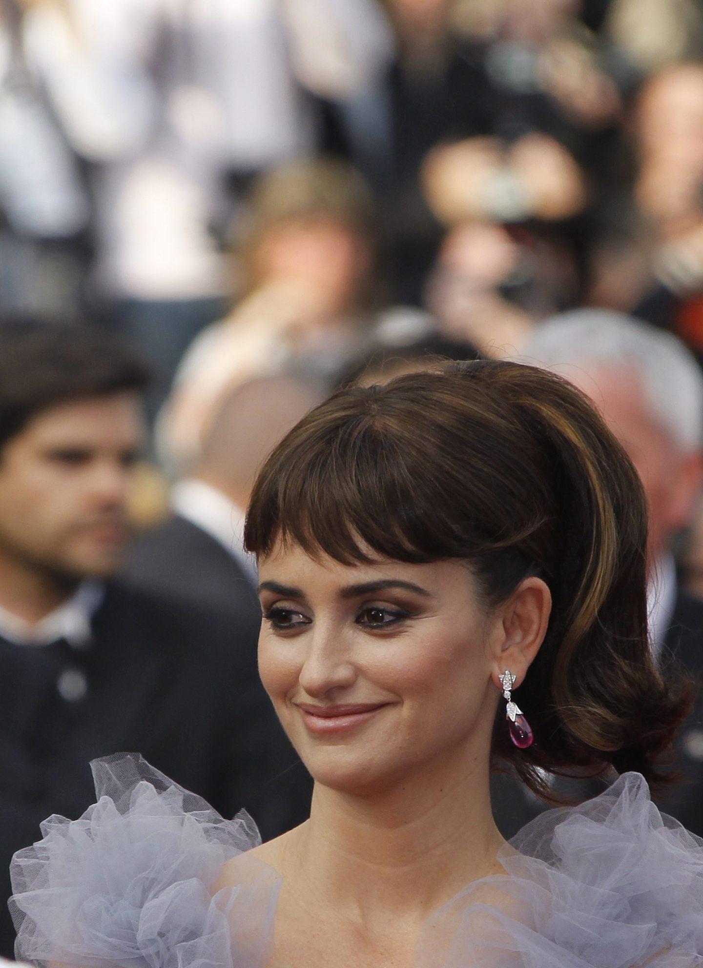 3 beautiful brunette hairstyles, the Penelope way