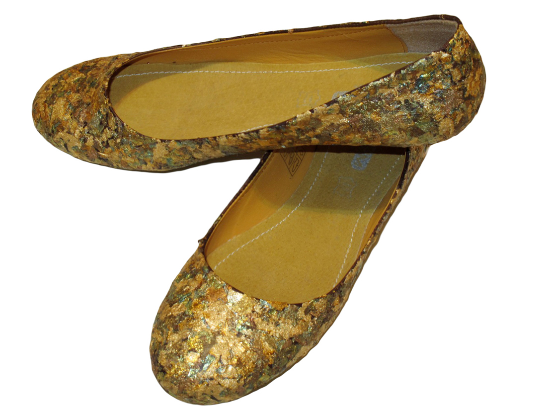 Want a pair of hand-painted ballerina flats? Read on!