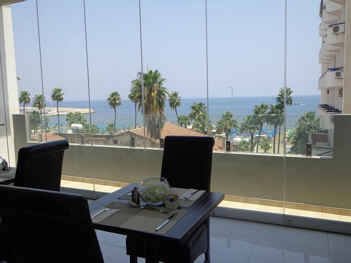 Achilleos Hotel: a tasteful base to discover Larnaca