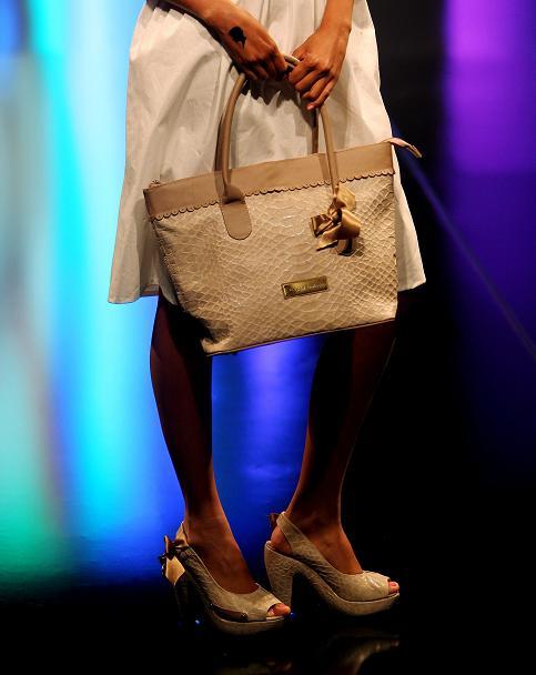 Fashion handbags take center stage in Bogota