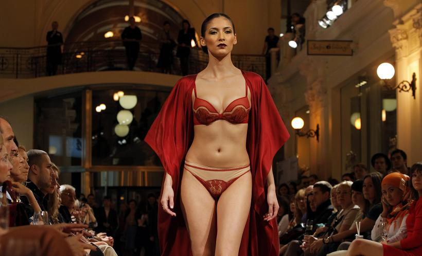 Vogue Fashion's Night Out – Moscow – La Perla Fashion Show