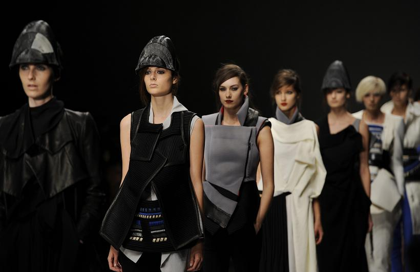 Haizhen Wang wins Fashion Fringe 2012