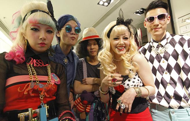Vogue Fashion's Night Out – Hong Kong – Street Style