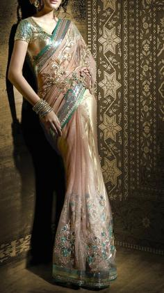 How to wear a sari (video)